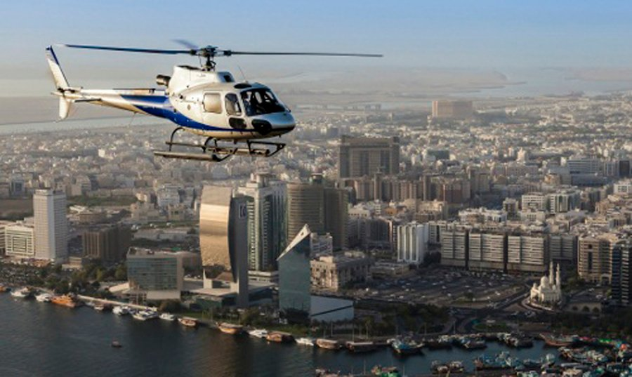 Explore the best of Dubai on a helicopter tour