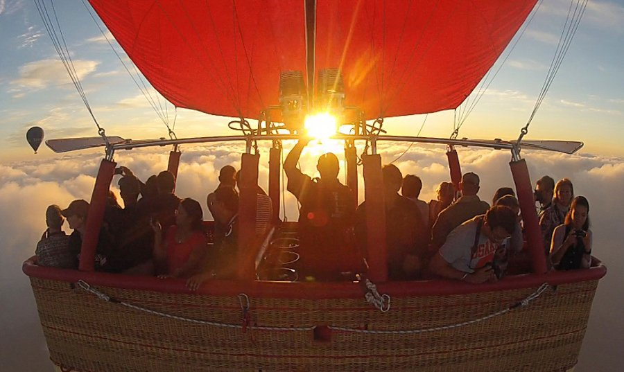 Hot Air Balloon Ride at Sunrise with Breakfast & Wildlife Safari