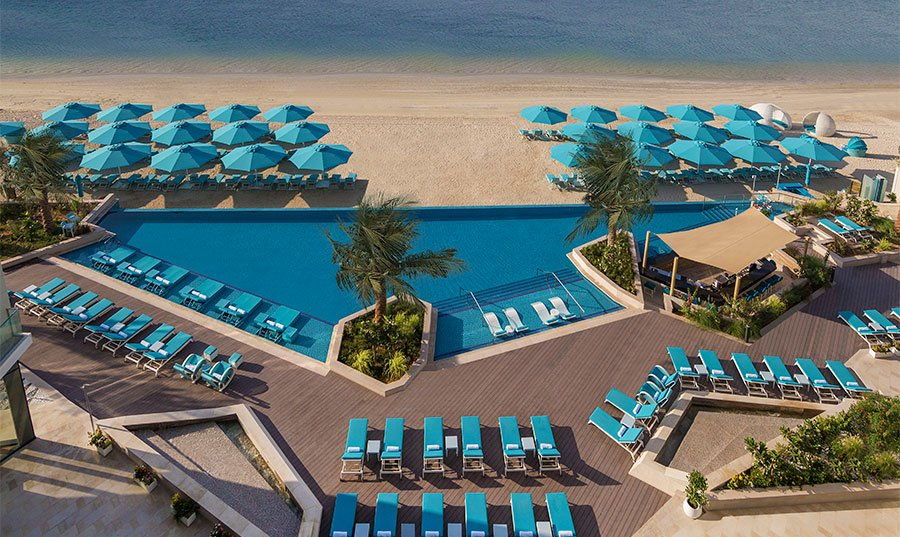 Beach & pool access with food & beverage credit at The Retreat Palm Dubai